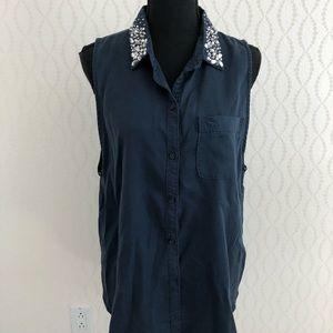 Embellished Collar Sleeveless Button Down Shirt